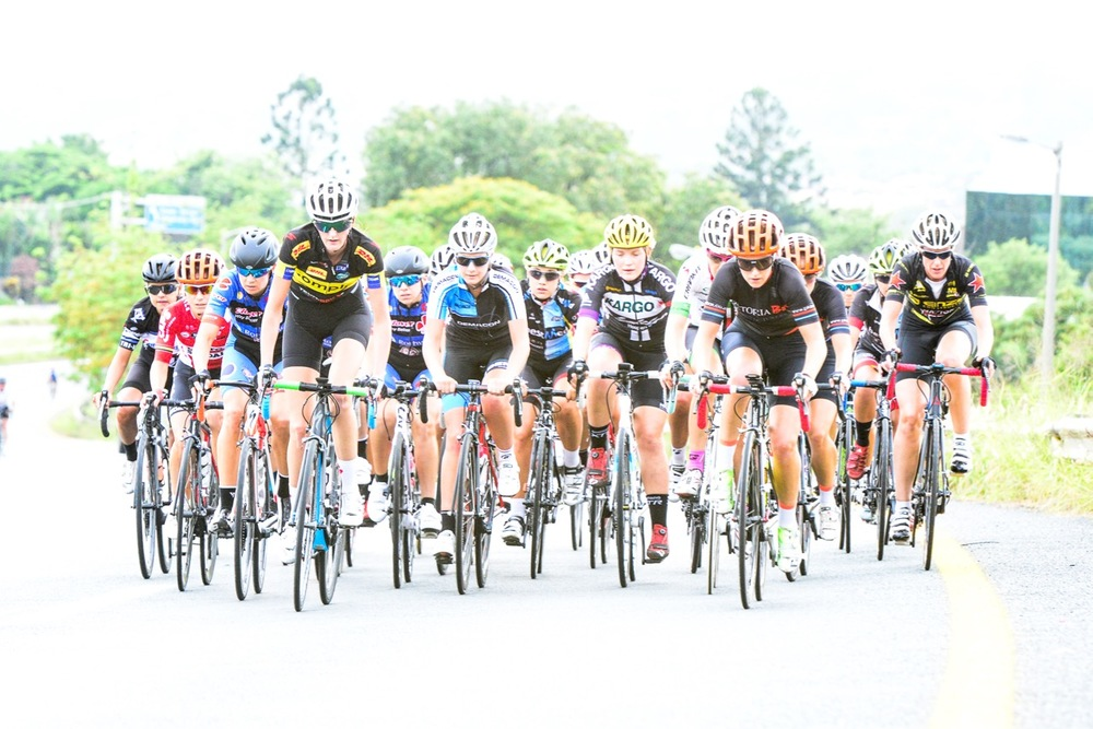 The 35-strong group of women remained tight with no-one revealing their race form early on during the Elite Women's Road Race at the 2016 SA National Road, Time Trial and Para-cycling Championships in Westville, KwaZulu-Natal, on Saturday 13 February. Photo credit: Darren Goddard