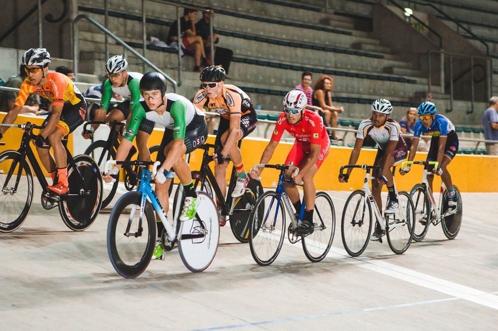 Jason Oosthuizen rides hard to claim the top points in the Junior Men's Points Race at the 2017 SA National Track Championships at the Bellville Velodrome in the Western Cape on Wednesday 5 April. Photo: DoubleST