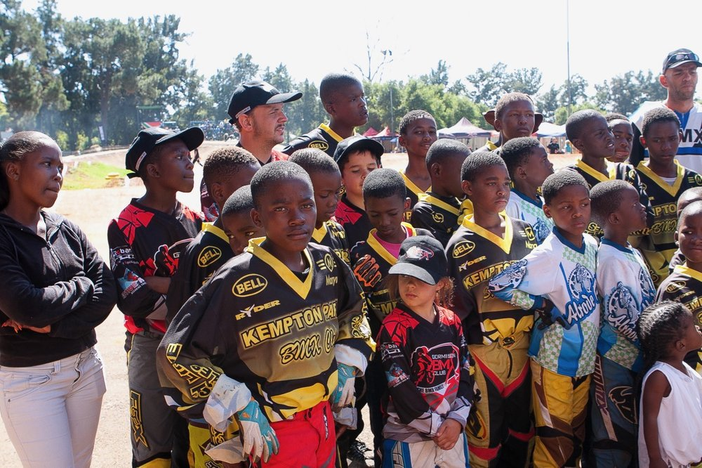 A large contingent of development riders travelled from the Western Cape, representing the Velokhaya Life Cycle Academy, at the opening rounds of the 2017 SA BMX National Age Group (NAG) Series, which took place at Germiston BMX Club in Gauteng from Friday 14 to Sunday 16 April. 📷  Daryn Varney