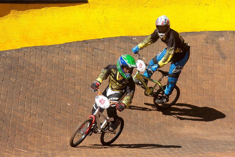 Young riders from the Kempton Park development team at the opening rounds of the 2017 SA BMX National Age Group (NAG) Series, which took place at Germiston BMX Club in Gauteng from Friday 14 to Sunday 16 April. 📷  Daryn Varney