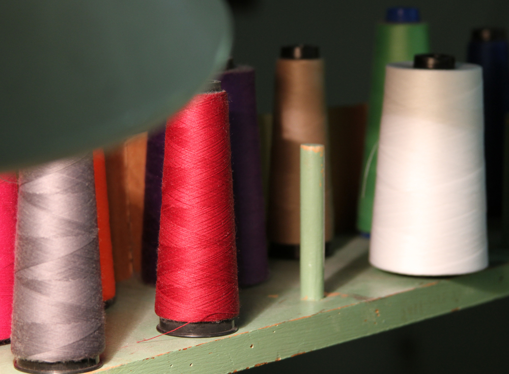 Thread at the sewing station