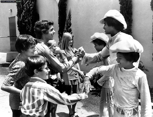 awesomepeoplehangingouttogether :     The Brady Bunch meets the Jacksons, 1971