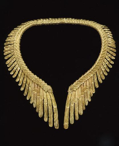 yellow gold necklace4.jpg