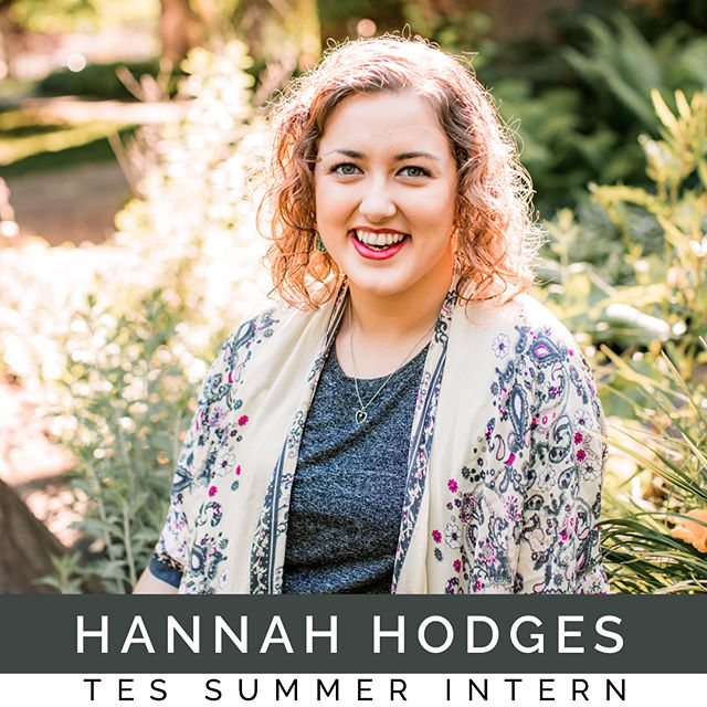Welcome Hannah Hodges! She is one of our #TES40wk summer interns who has been apart of the @emergingsound camps for the last three years. @hannah_girl01 is a Texas girl, currently majoring in vocal performance, and she brings so much life to us here at the #peopleandsongsabbey. She is amazing at any task she is given, has a killer opera voice, and a connoisseur of coffee and tea. Follow the link in our bio for more information on how you can apply for one of our internship programs. #TEScamp #peopleandaongs #hubofawesome