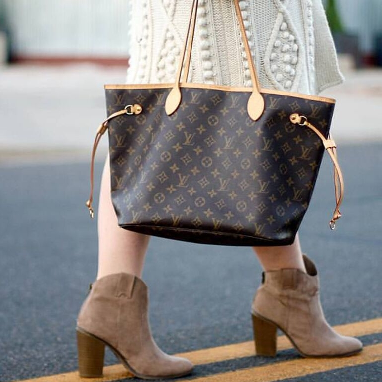 Wishlist - Dreaming of that classic Louis Vuitton, Prada or Chanel handbag?Need a pair of Frye boots?Let us know what you need to complete your collection and we'll call you when those treasures come in. Shoot us an email at commonthreadscolorado@gmail.com to let us know what you are looking for!