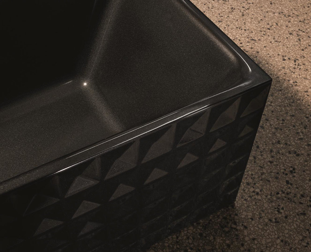 Badobjekte  aus edlem Stahl/Email