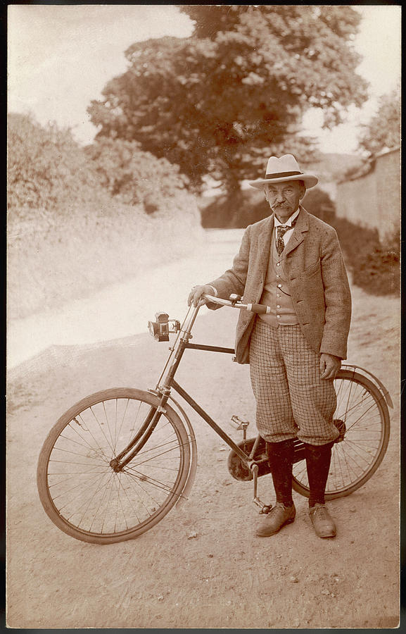 Thomas Hardy, early 1920s.  October 8:  The strength to force the moment to its crisis: Thomas Hardy and George Eliot