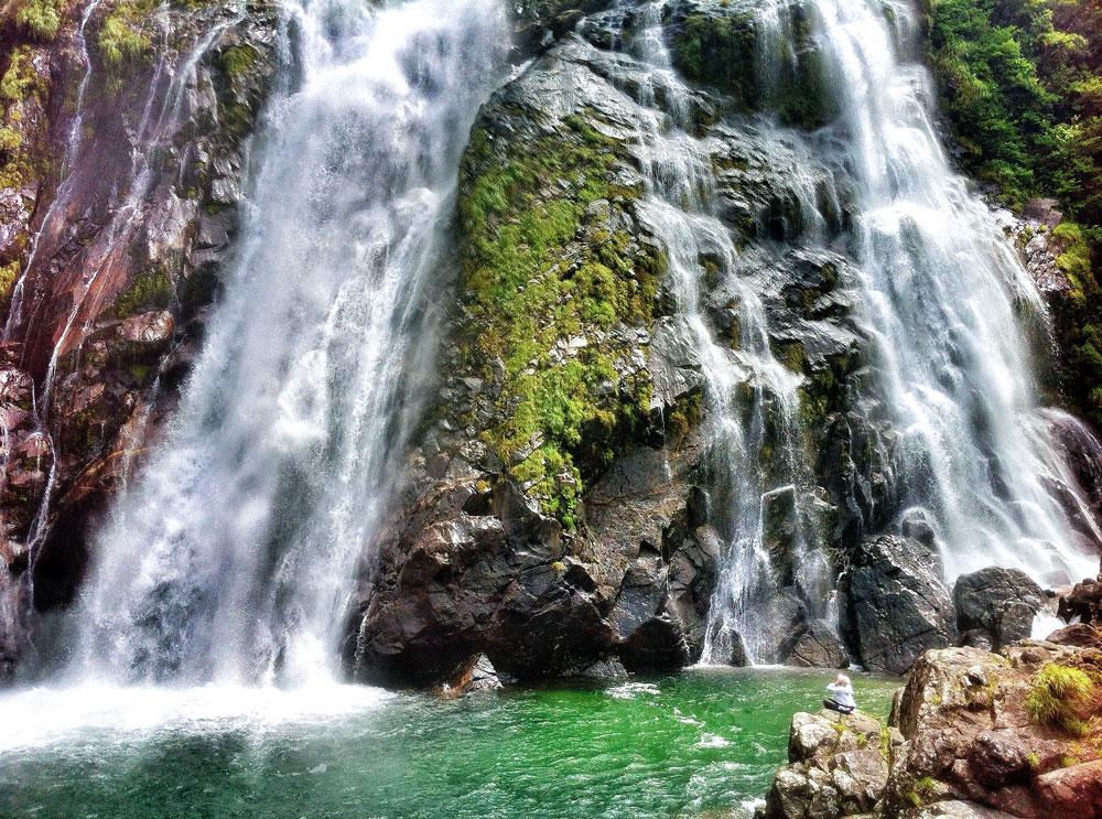 yakushima-waterfall.jpg
