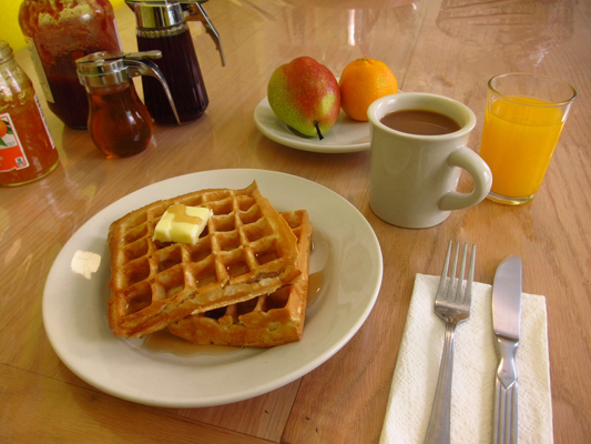 Start your day with breakfast in the kitchen served between 7am – 11am daily! And did we mention we always have freshly made waffles? A selection of breads, pastries, cereals, seasonal fruits as well as tea, juice and coffee are also available.