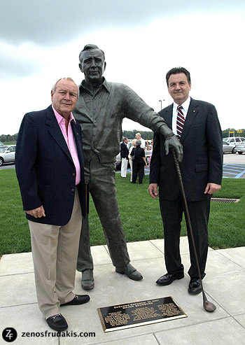 Arnold Palmer, Latrobe, portrait statue