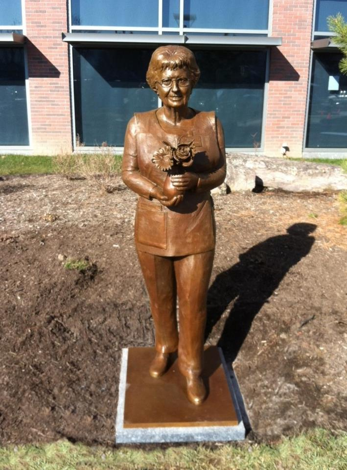 Mrs. Johnnie Lamade, public sculpture