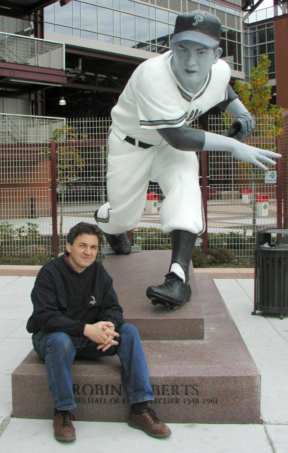 Robin Roberts, public sculpture