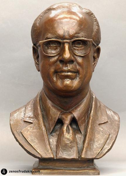 Dr. Stone, portrait bust
