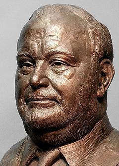 Gene Hart, portrait bust