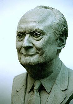 George Hillenbrand, portrait bust