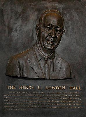 Henry L. Bowden, academia sculpture