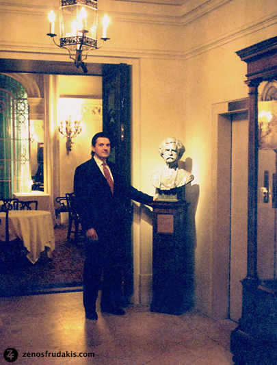 Zenos Frudakis and  Mark Twain  sculpture bust at the Lotos Club, New York City.