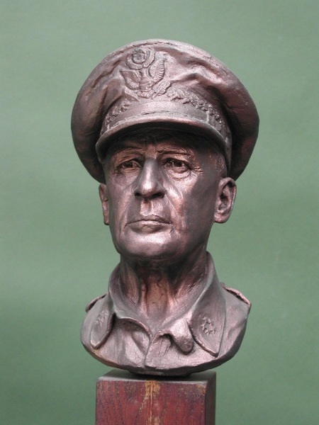 general_douglas_macarthur_portrait_sculpture
