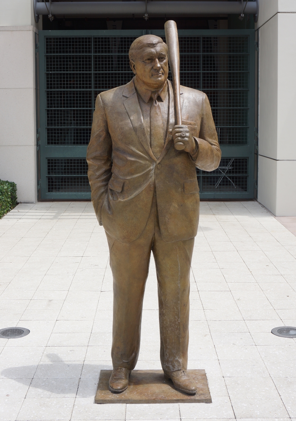 Coach Ron Fraser, portrait statue