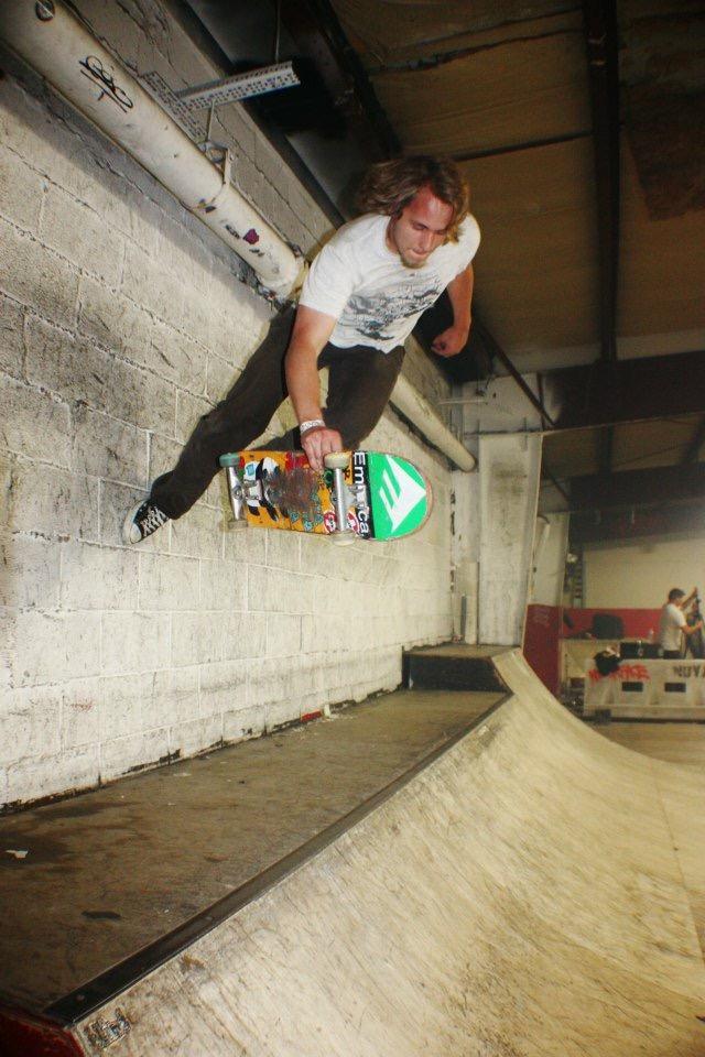 John Follis - Foot plant - Asylum Skatepark