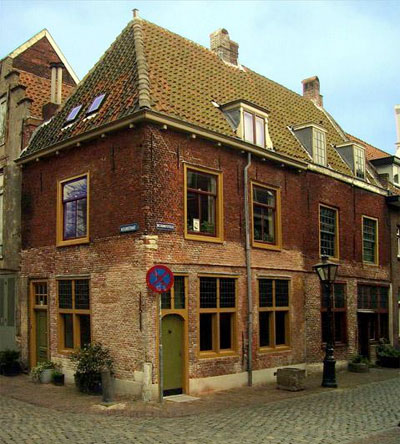 This house was in Leiden, Holland, when Remember and her family lived there.  Today it's the location of the Leiden American Pilgrim Museum.