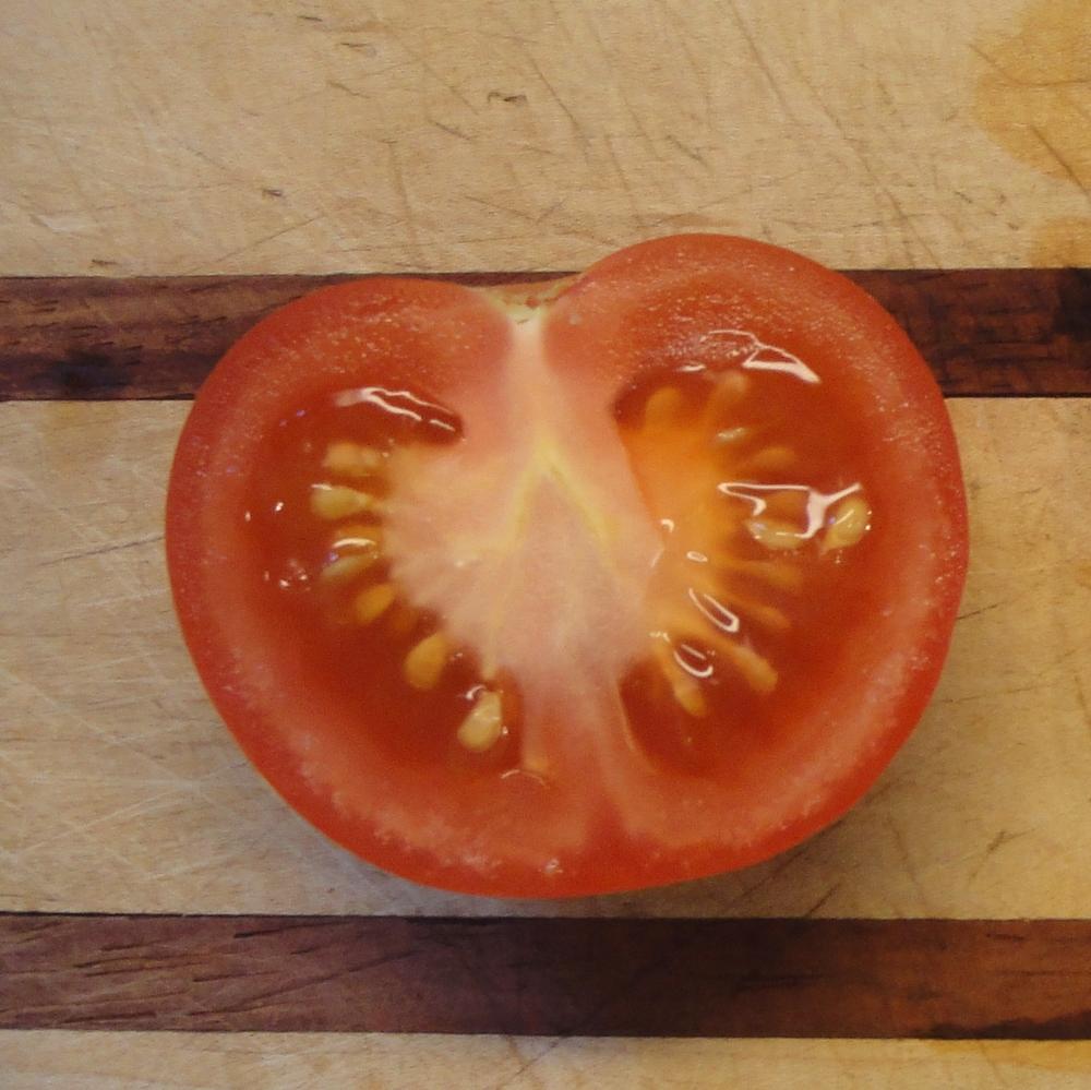 Slice tomatoes 1