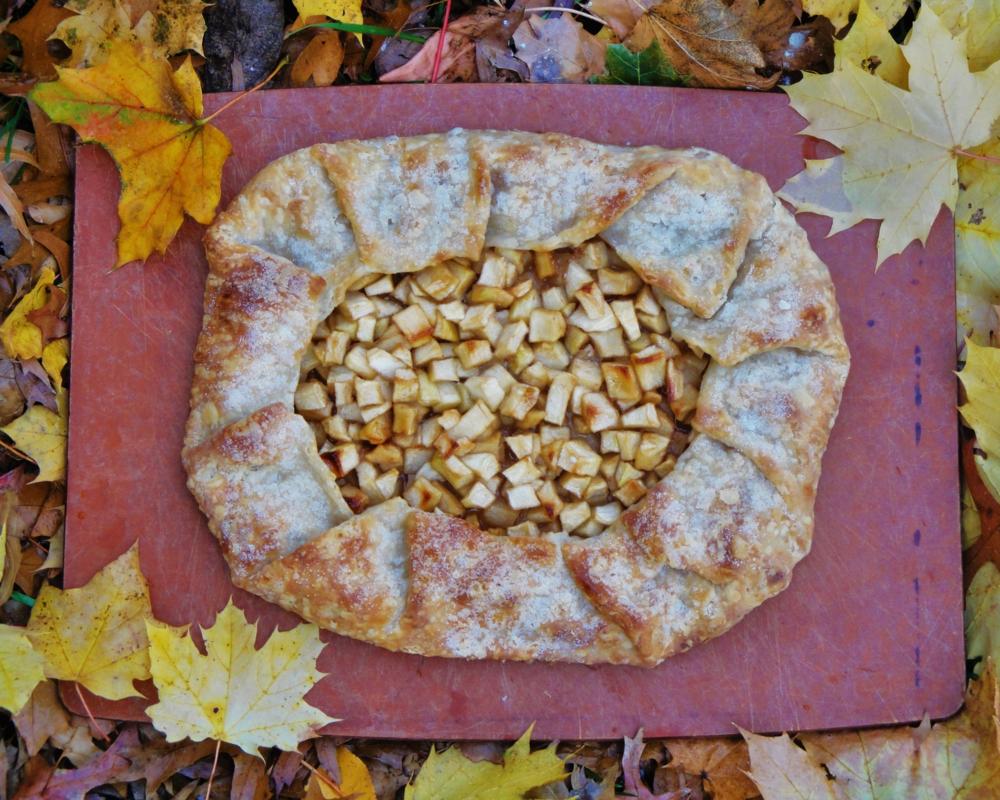 happy apple tart