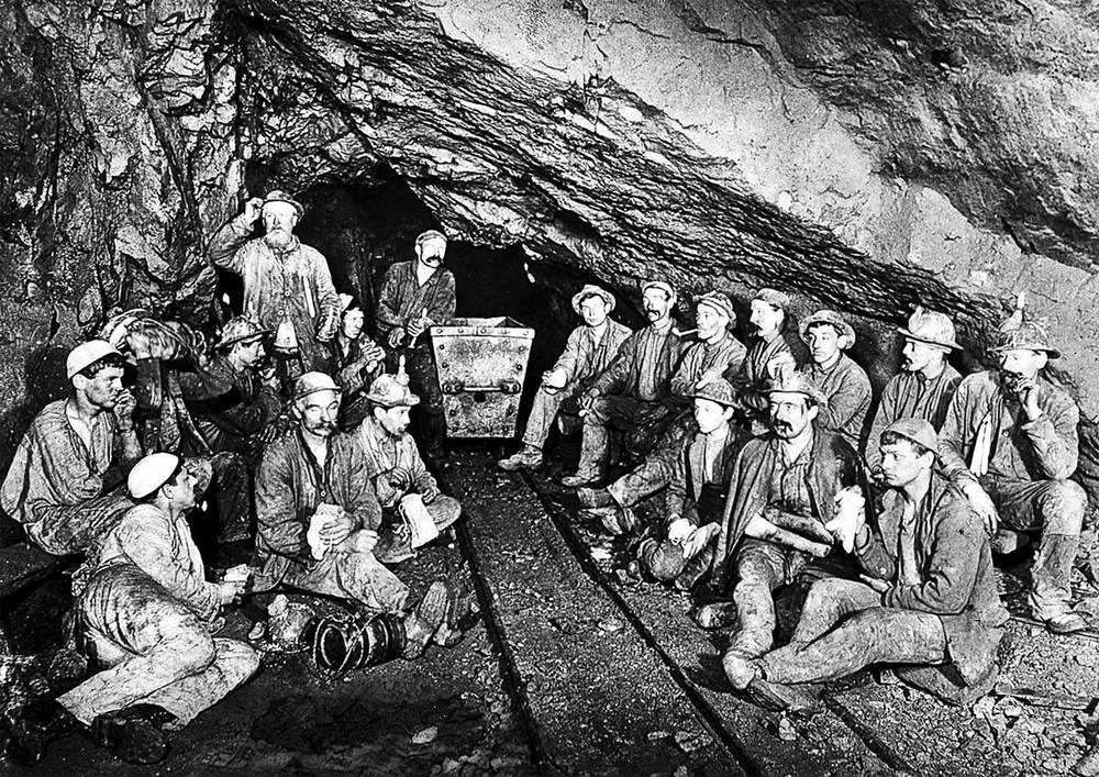 Cornish tin miners eating Cornish Pasties on their lunch break.  Photograph by JC Burrows, 1893.