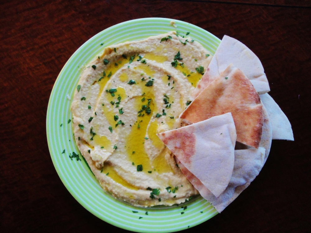 classic hummus with pita bread