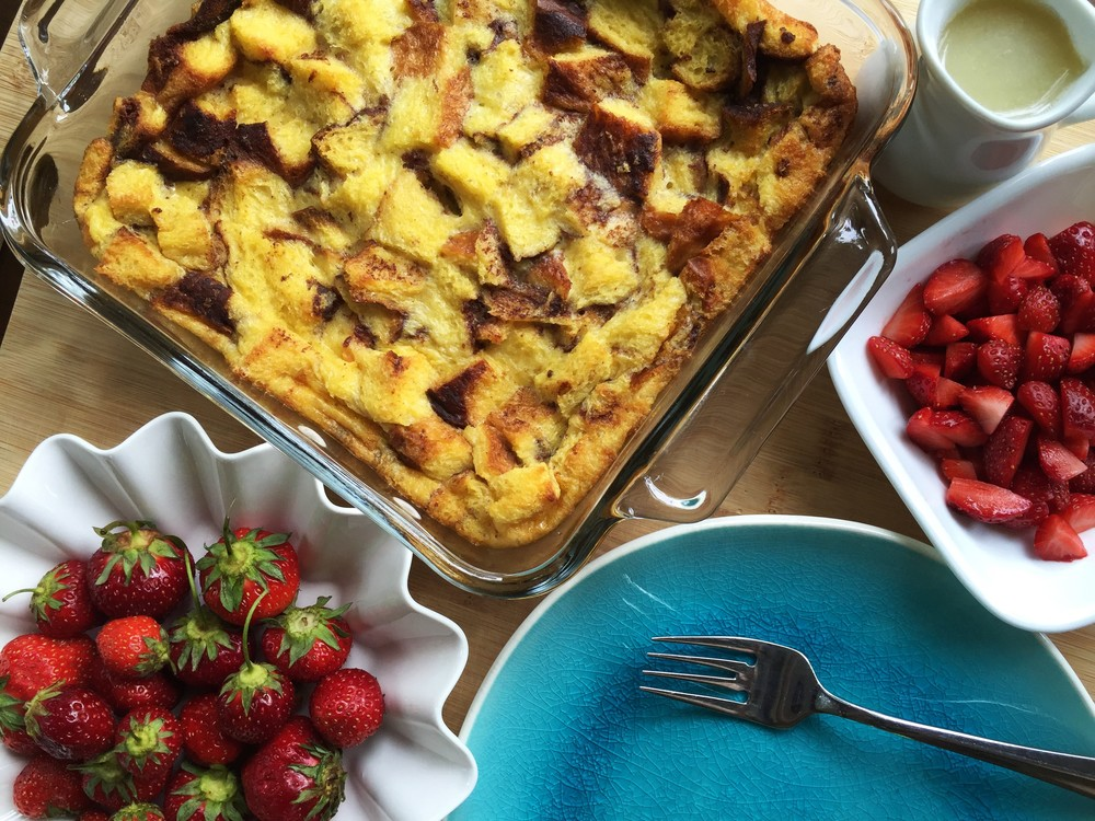 brioche bread pudding with strawberries