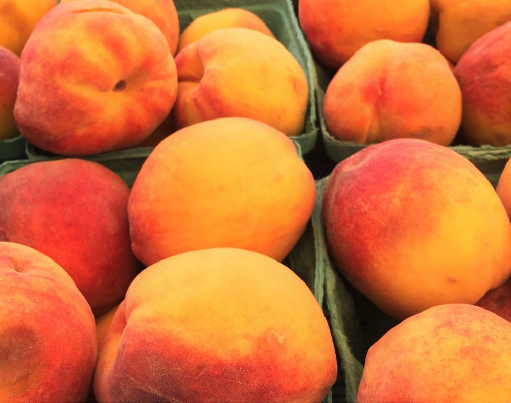 local jersey peaches at the farmers market