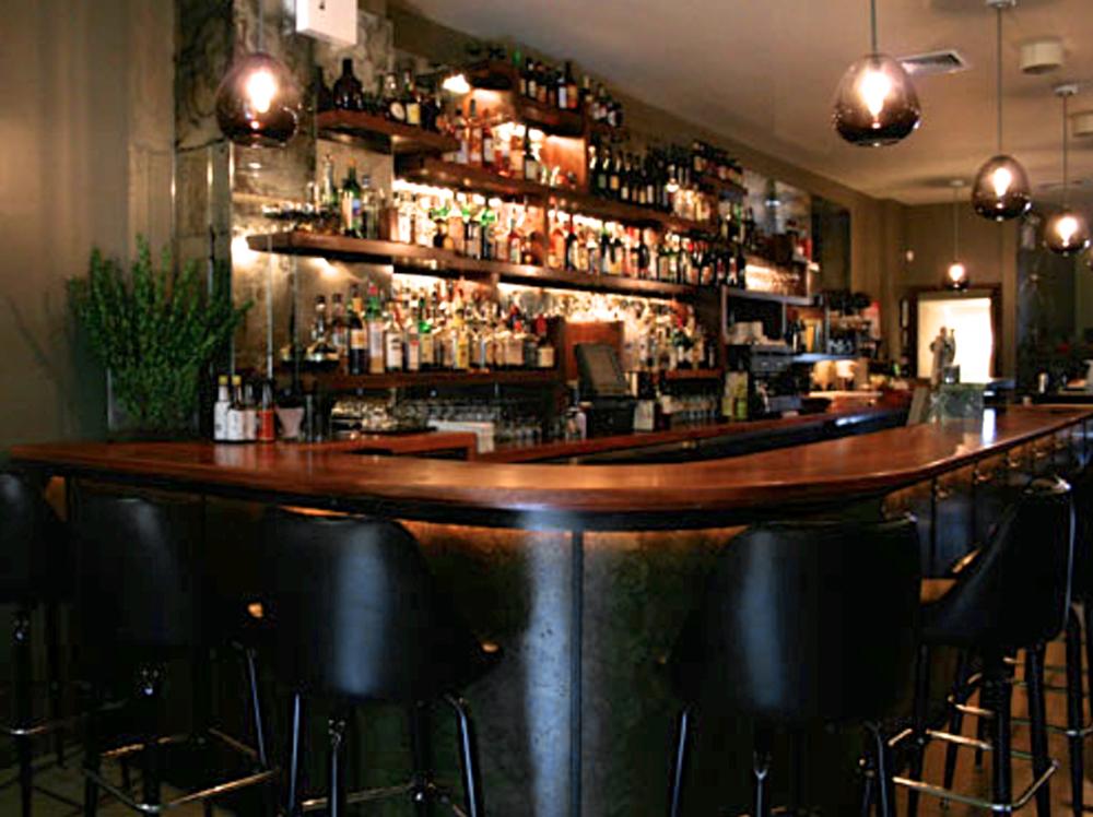 Huck Bar 1.jpg