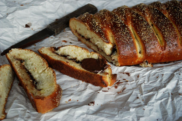 a.+braided+chocolate+hazelnut+bread+4.jpg