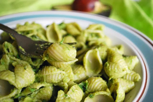 Pasta+With+Pesto+Avocado+Cream+Sauce.jpg