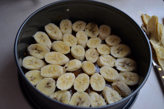 a.+upside+down+banana+cake+12.jpg