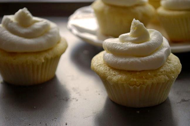 a.+nutella+filled+cupcake+10.jpg