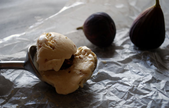 a.+fig+and+walnut+ice+cream+4.jpg