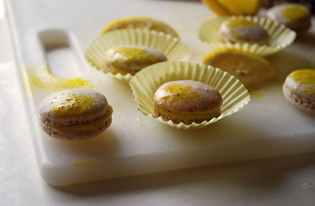 a.rosemary+lemon+macarons+3..jpg