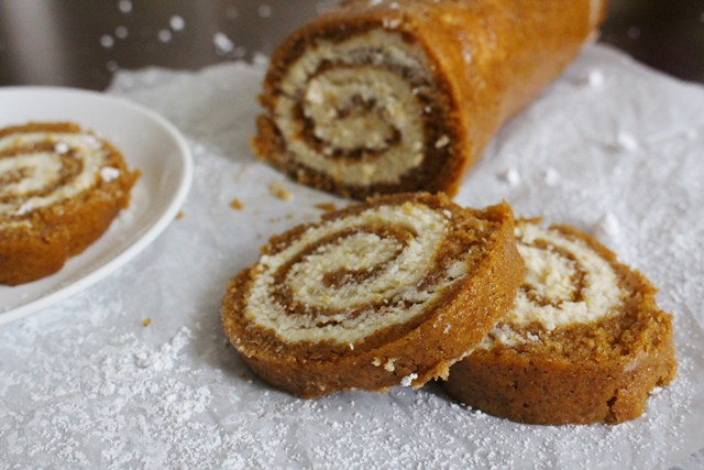 Pumpkin Roll | Pass the Cocoa