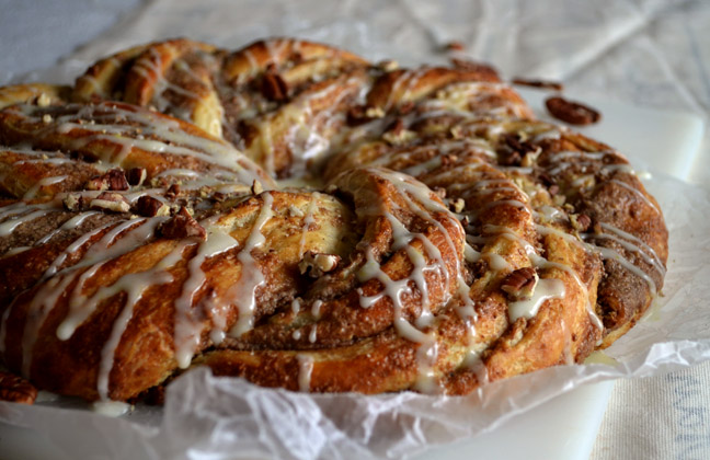 Pecan Pastry Ring | Pass the Cocoa