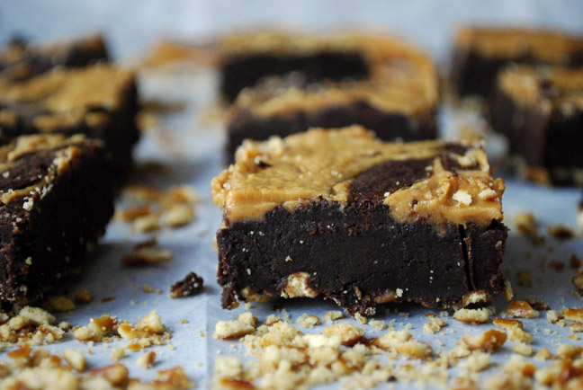 Peanut Butter Pretzel Brownies | Pass the Cocoa
