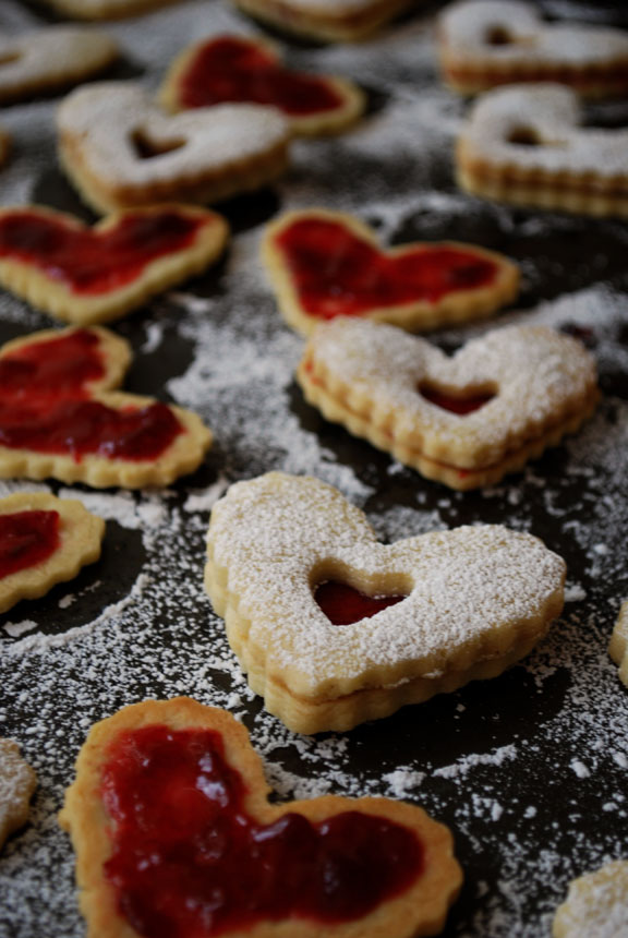 Linzer Heart Cookies | Pass the Cocoa