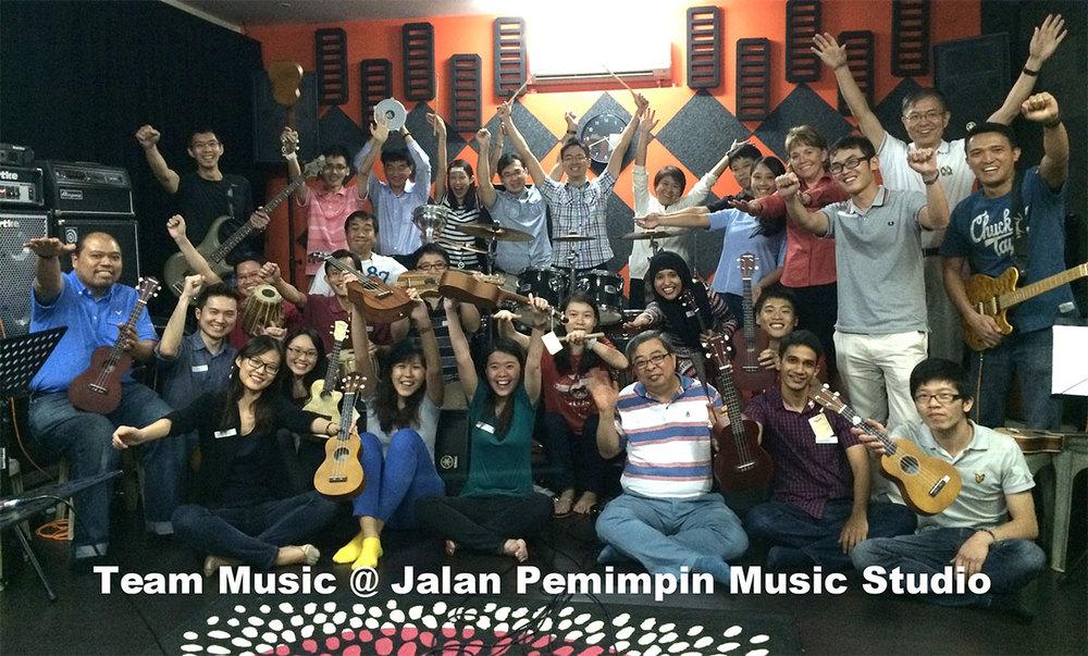 team-music-jalan pemimpin-music-studio