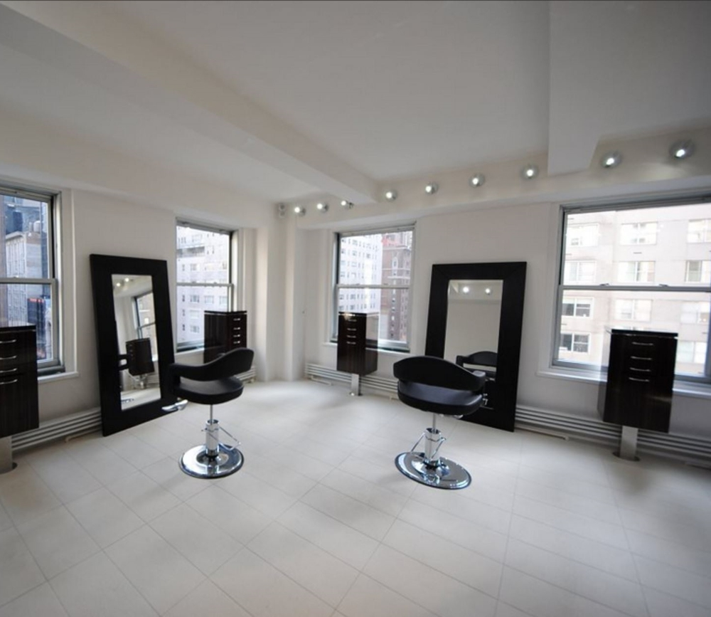 New York salon image crop 2  (1) (1).JPG