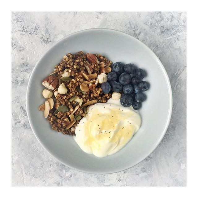 ✨Cinnamon & Buckwheat Crunch ✨ ⠀⠀⠀⠀⠀⠀⠀⠀⠀ I am terrible at breakfast. Never usually hungry in the mornings, and perhaps that's got something to do with  my microbes? I find that having a great range of different homemade granolas, crunches, oats keeps it interesting.  I'm building up a selection of new breakfast cereals, and this one seems to be a current winner. So much crunch and flavour. Cheers @hemsleyhemsley ⠀⠀⠀⠀⠀⠀⠀⠀⠀ #homemadecereals #buckwheat #breakfastgoals #hemsleyhemsley