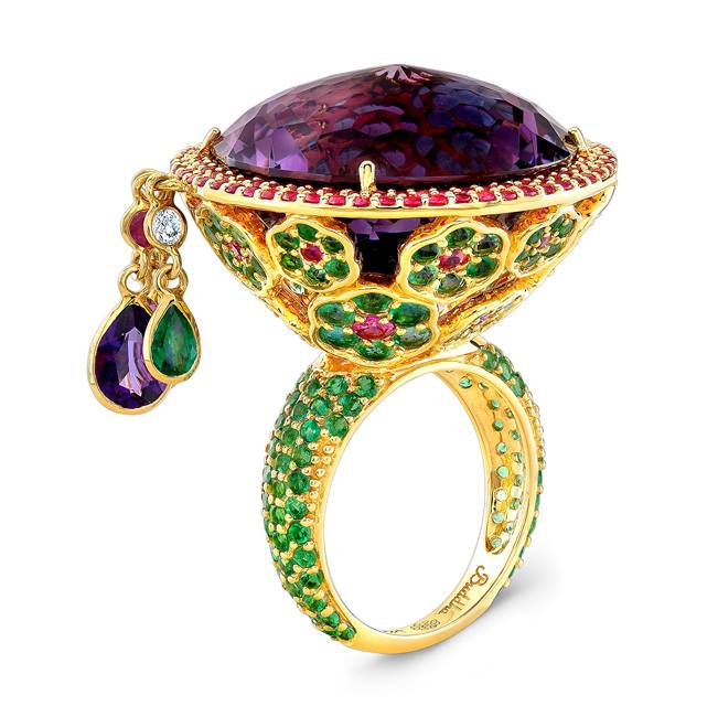 22 karat amethyst ring with diamonds and emeralds