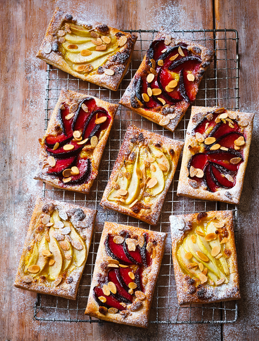 54Autumn_fruit_galette2 1.jpg