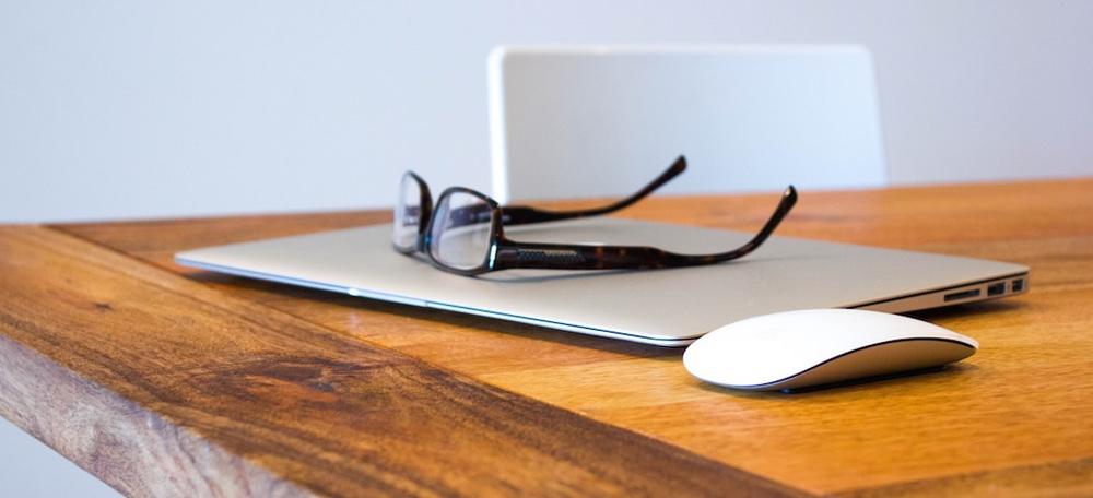 glasses laptop