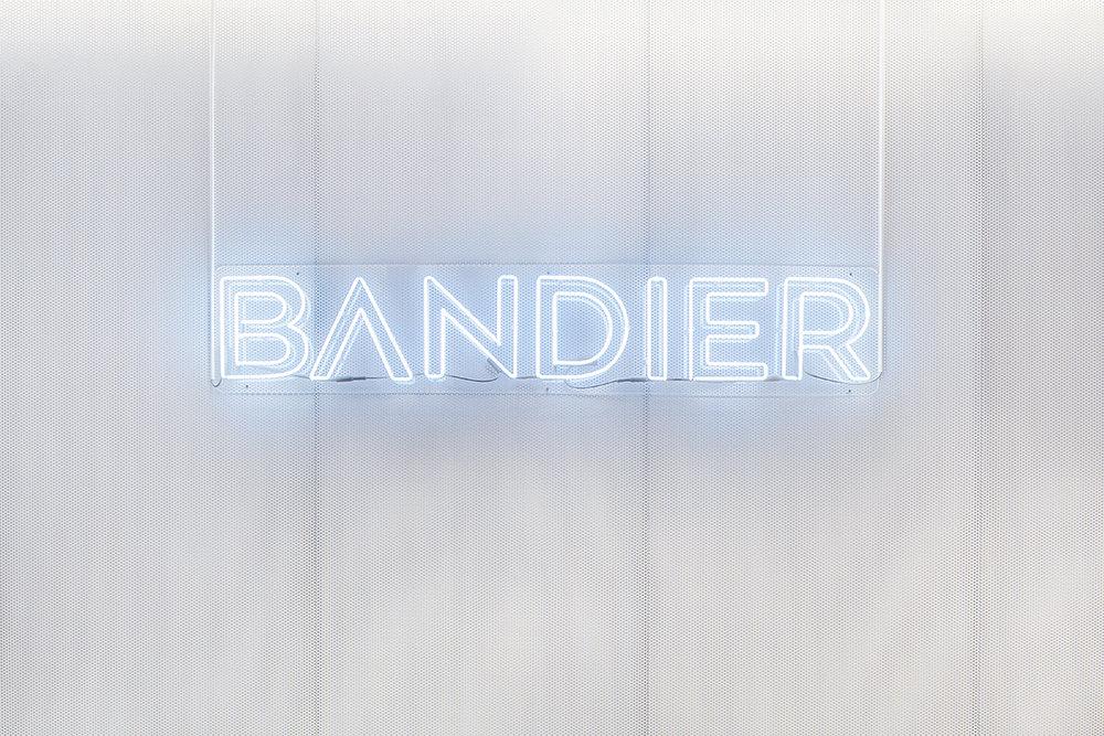Huxhux_Bandier_Shot13_WEB.jpg