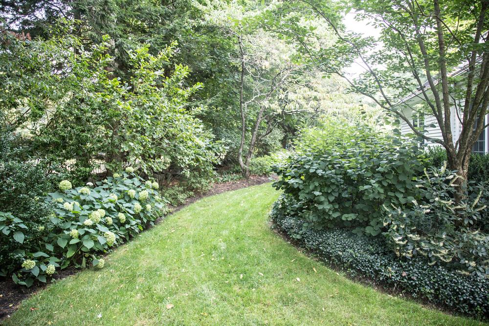 John de Lellis Gardens 18.jpg